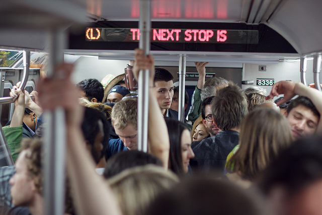 crowded-subway